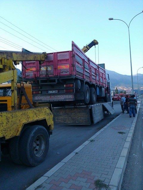 pozantı kamyon çekici vinç